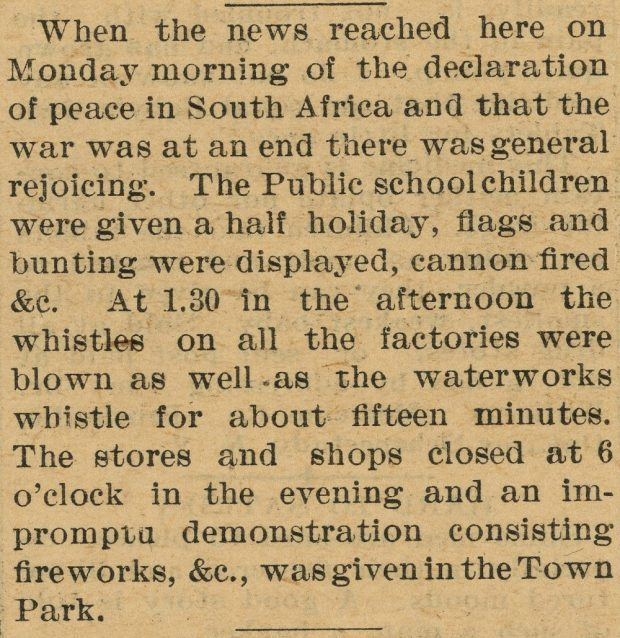 Coupure de presse parlant des célébrations lorsque l'on annonça la paix en Afrique du sud en 1902.