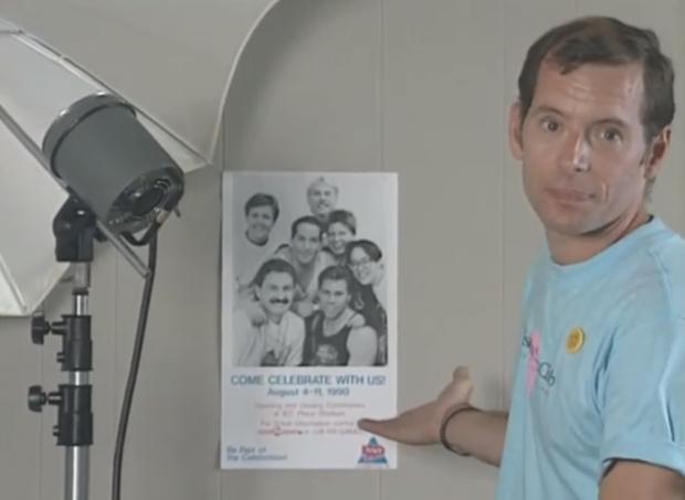 Daniel Collins, bénévole et photographe de Celebration '90, parle du tournage de l'affiche publicitaire sur le transport en commun.