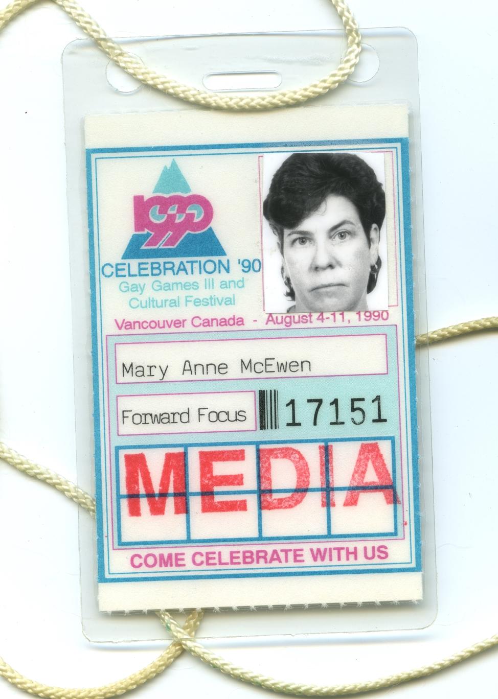 Mary Anne McEwen badge média célébration 90