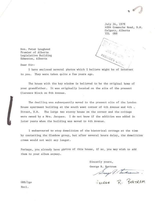 Lettre de George Bertram à Peter Lougheed en date de juillet 1979 accompagnant des photos de la maison Lougheed originale