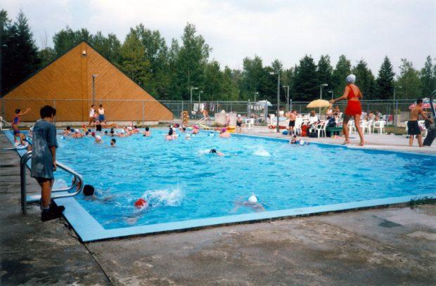Photo de la piscine du camping de Malartic dans les années 1970