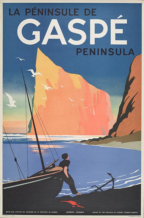 Affiche touristique de la péninsule de Gaspé, d'une une facture graphie simple et moderne. Au premier plan, un homme sur la plage est adossé à une chaloupe de mer. À ses pieds l'ancre repose sur la plage. Dans une ambiance lumineuse d'un coucher de soleil, l'homme observe le Rocher Percé, massif et imposant, il donne l'impression d'être un immense paquebot qui s'avance dans le golfe du Saint-Laurent. Au-dessus du Rocher dans le bleu du ciel il est écrit : La Péninsule de Gaspé Peninsula.